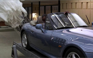 BMW_Z3_james_bond_parachute