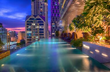 Eastin Grand Hotel Sathorn piscine debordement