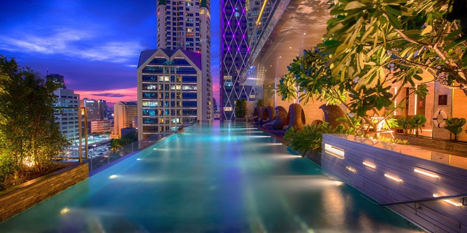 Eastin Grand Hotel Sathorn piscine debordement