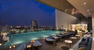 Hilton Sukhumvit Bangkok piscine debordement