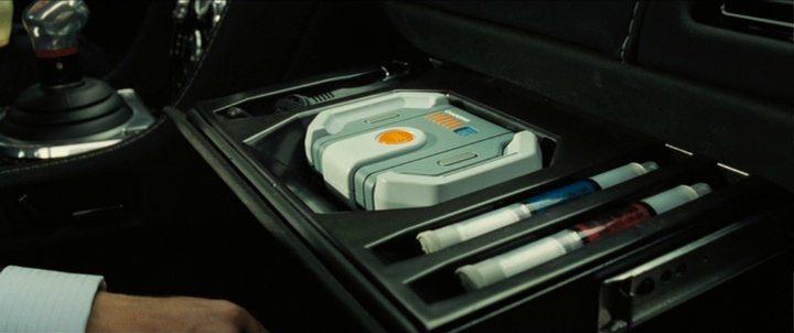 les 10 gadgets les plus improbables des voitures de james bond lifestyle oblikon. Black Bedroom Furniture Sets. Home Design Ideas