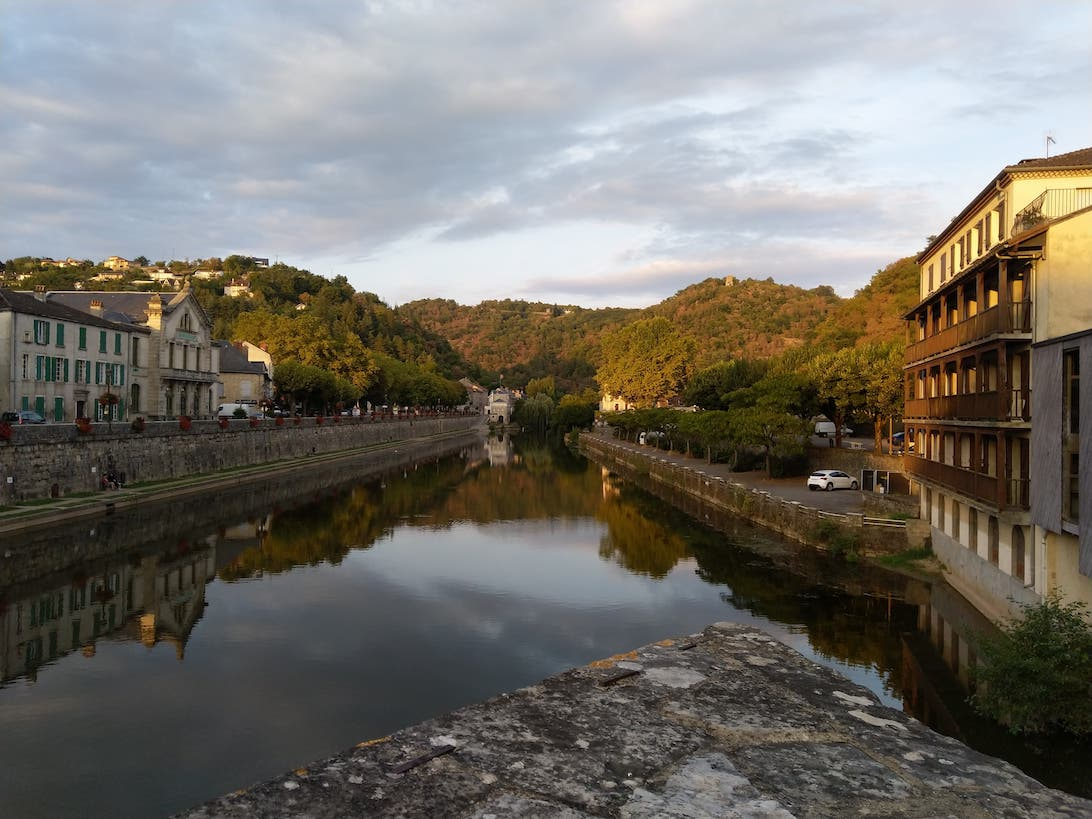 Petite photo de l'amont de l'Aveyron