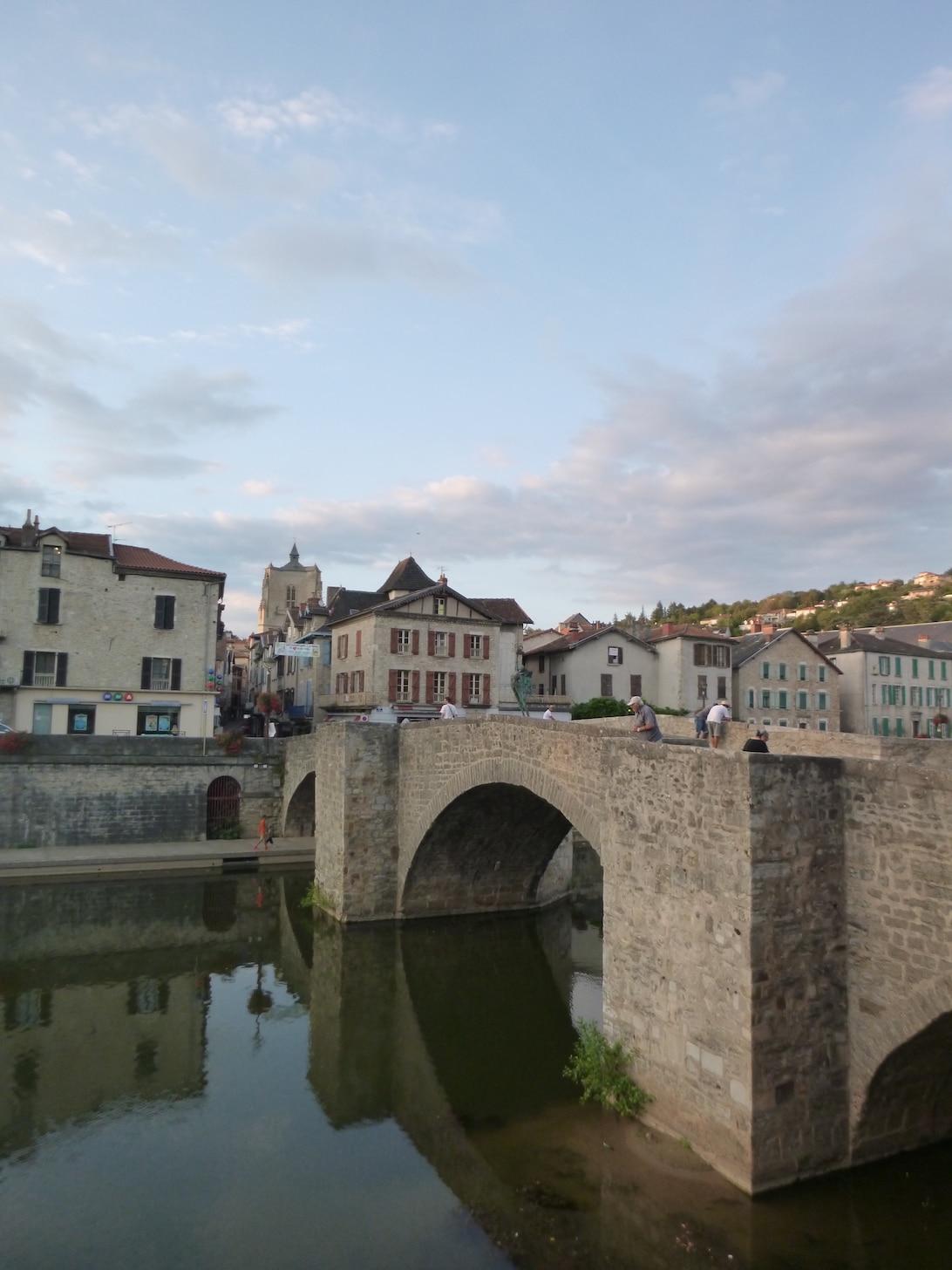 Sur le pont, d'l'Aveyron...
