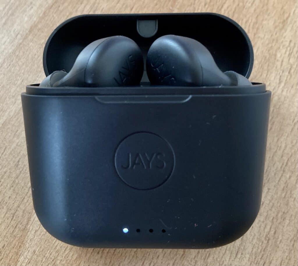Jays f-Five True Wireless_recharge3