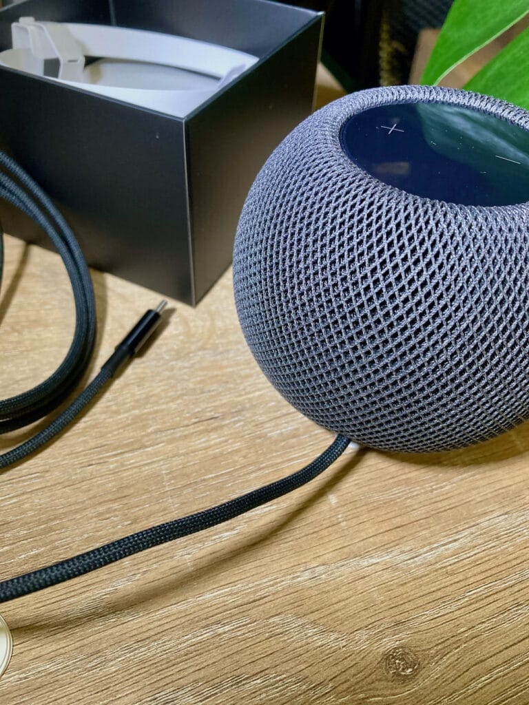 homepod_mini_gris_sideral_cable