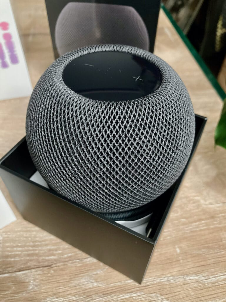 homepod_mini_gris_sideral_unboxed