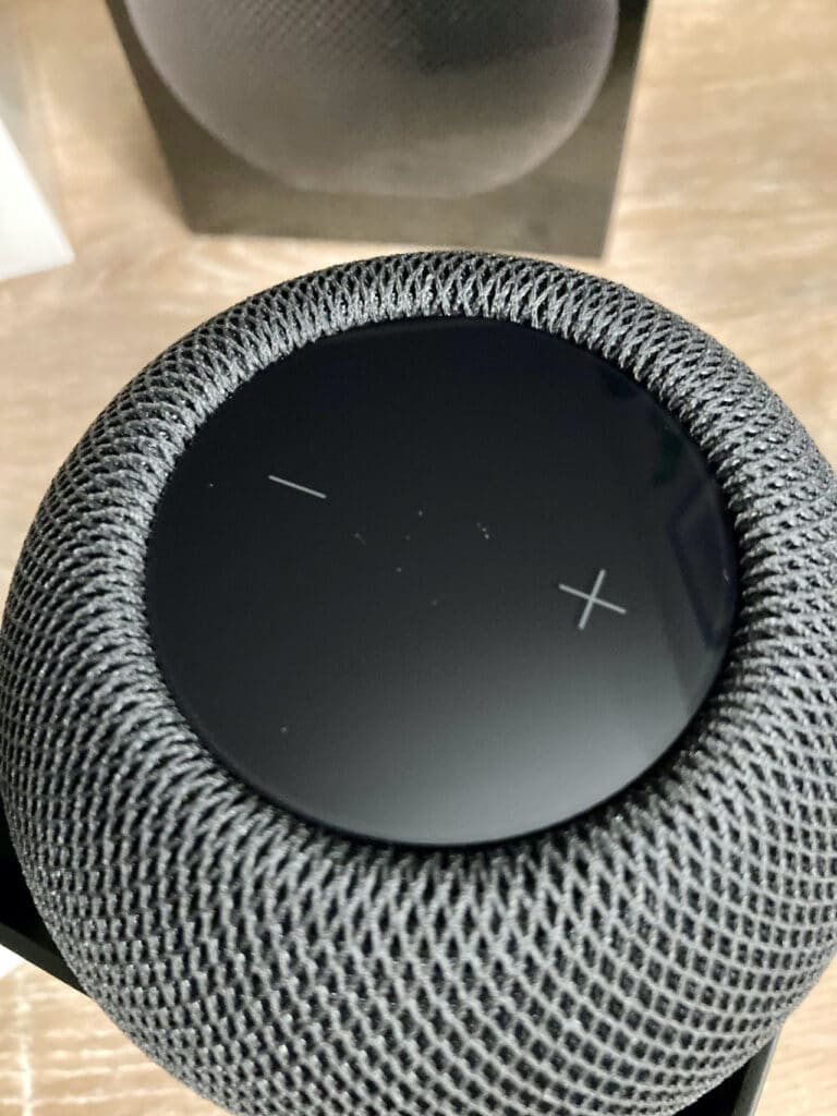homepod_mini_gris_sideral_unboxed2