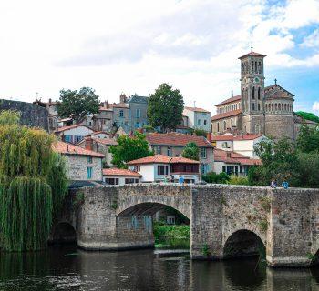 clisson_italie_medieval_ville_italienne_architecture