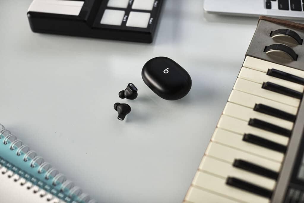 beats_studio_buds_music